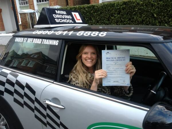 driving lessons in surrey with mini driving school